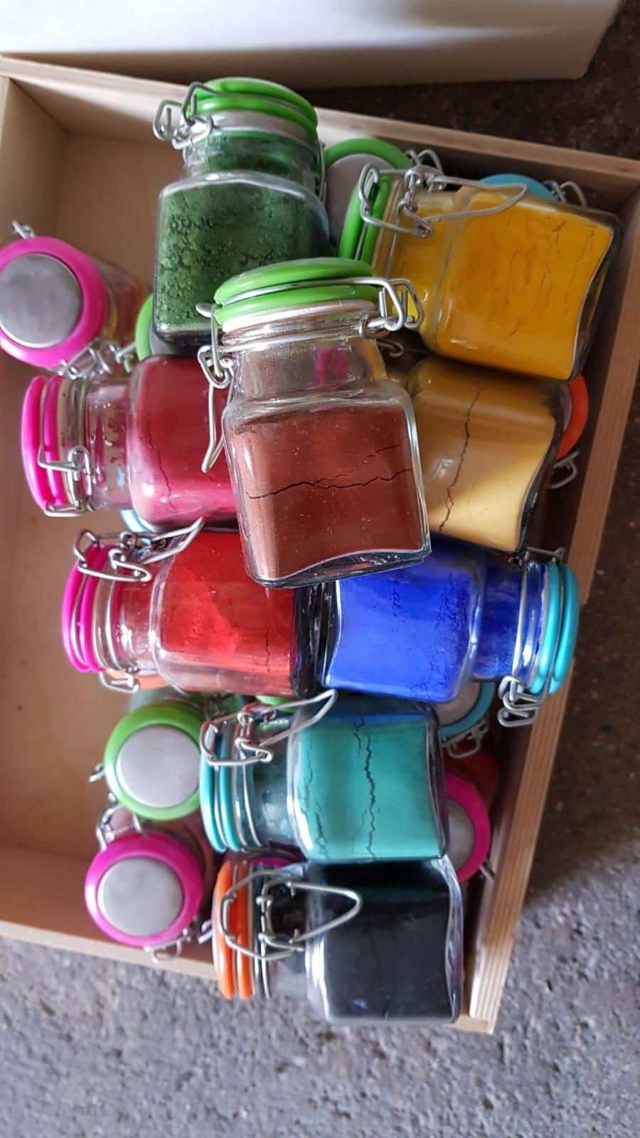 Pigmenti in vasetto